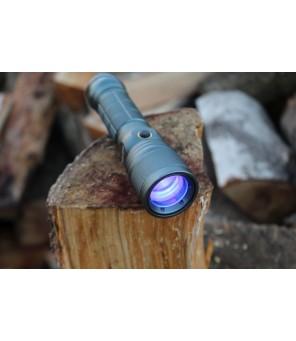 Prožektorius su balta ir ultravioletine šviesa su ZOOM fokusavimu